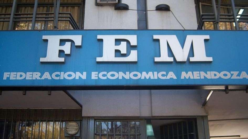 Endeudamiento y roll-over: ACDE, AEM, CEM, FEM y UIM ofrecen conformar una mesa de diálogo