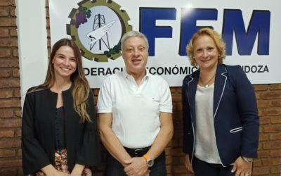 Directivas del Banco Macro visitaron la sede de la FEM y expusieron sobre «Naves» y «Cuentas Sanas»