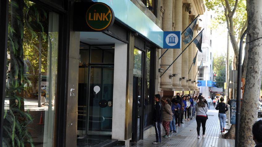 Las pymes le reclaman a los bancos que mejoren urgente su atención (Mdz)